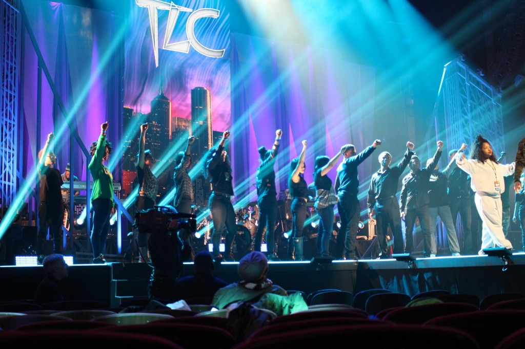 TLC-boys-and-girl-choir-of-harlem-vh1-super-bowl-blitz